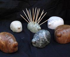 Hérisson porte-savons en pierre de stéatite, différentes couleurs. Par Bulles de Granite