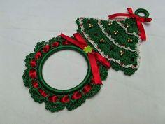 Crochet Christmas Wreath, Christmas Crochet Patterns, Holiday Crochet, Christmas Knitting, Christmas Crafts, Crochet Towel Holders, Crochet Towel Topper, Crochet Quilt, Crochet Home