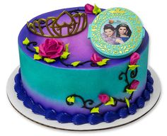 Mirror, mirror on the wall, what's the fairest cake of them all? One designed by you, of course. Finish it with the magic mirror covered with a picture of Mal and Evie and a tiara for your special princess and you'll rival any pro. Food-safe plastic. 2...