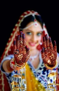 Indian wedding poses, indian wedding bride, indian bridal photos, wedding p Indian Wedding Poses, Indian Bridal Photos, Indian Wedding Couple Photography, Bride Indian, Indian Engagement Photos, Indian Bride Poses, Photography Couples, Photography Ideas, Indian Mehendi