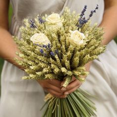 Happy #flowerfriday! Looking for something different? How about this rose lavender and wheat sheaf bouquet? Simply stunning from @shropshirepetals  #rose #lavender #wheat #wheatsheaf #bouquet #bridebouquet #weddingflowers #weddingbouquet #spring #springbouquet #rustic #organic #natural #alternativebride #bloggingbride #instabride #bride #flowerstagram #flowerfriday #weddingblog #weddingblogger #devinebride