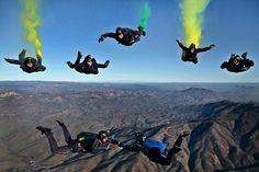Der Fallschirmspringer. Die Fallschirmspringer.