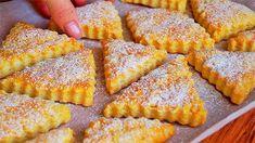 Křehoučké, nádherné, měkké, vrstvené a velmi lahodné sušenky jsou tak mimořádné, že se jim žádné kupované nikdy za žádnou cenu nevyrovnají Baking Recipes, Cookie Recipes, Prague Food, Jelly Cookies, Czech Recipes, Sweet Pastries, Vegan Restaurants, Eat Smart, Sweet Recipes