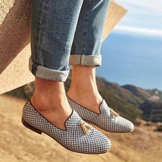 Our modern-day evolution of the iconic tassel-topped loafer, the Cadilia slip-on offers distinguished style through Ramadan and beyond. Loafers For Women, Loafers Men, Loafers Outfit Summer, Aldo Shoes, Shoes Sandals, Cute Casual Shoes, Smart Casual, Casual Trends, Beautiful Shoes