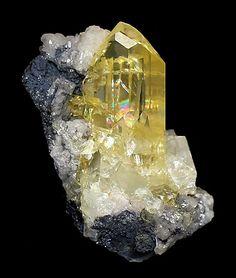 Yellow Anglesite - Touissit, Touissit District, Oujda-Angad Province, Oriental Region, Morocco. / Mineral Friends