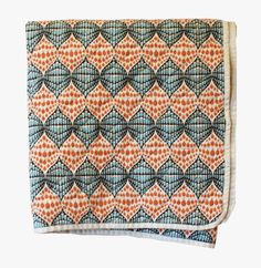 Beautiful canvas throws in various designs. 100% canvas, quilted for extra comfort. Perfect for outdoor adventures or cosy indoor comfort. Fast shipping.