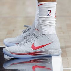 The Nike Kobe A.D. Mid Sport Outfits, Cute Outfits, Fly Shoes, Killer Workouts, Nike Basketball Shoes, Kinds Of Shoes, Cool Boots, Nike Free, Shoes Sneakers