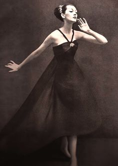 Dovima in Christian Dior. ♥ 1950's