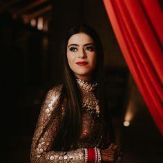 Wedding Looks, Wedding Pics, Wedding Bride, Wedding Day, Sabyasachi Sarees, Sabyasachi Bride, Indian Bridal Fashion, Wedding Function, Wedding Arrangements