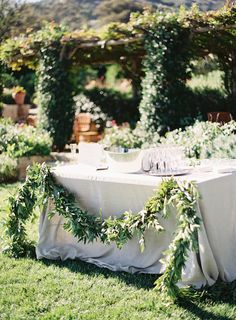 Photography: Kurt Boomer Photo - kurtboomerphoto.com  Read More: http://www.stylemepretty.com/2014/12/04/intimate-summer-wedding-at-san-ysidro-ranch/