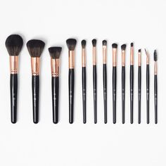 The Signature Rose Gold 13 Piece Brush Set from BH Cosmetics is the ultimate - a full wardrobe of face and eye brushes to handle all of your application needs efficiently. Affordable Makeup Brushes, Best Makeup Brushes, How To Clean Makeup Brushes, Eye Brushes, Best Makeup Products, Beauty Products, Face Products, Punk Makeup, Make Makeup