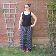Polka Dot Palazzo Pants by Crafty Clyde - sewing up some comfortable summer wear! #palazzo  #sewing  #polkadots