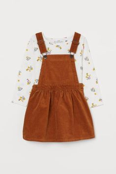 H&M Bib Overall Dress and Top - Yellow - Bib Overall Dress and Top – Light brown/floral – Kids Little Girl Outfits, Toddler Outfits, Kids Outfits, Cute Outfits, Fashion 2020, Kids Fashion, Cute Baby Clothes, Clothes For Women, Dungaree Dress