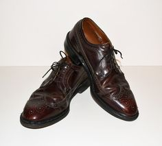 Vintage Men s Shoes Leather Wingtips Dark Brown Brogue Wingtips Oxford Dress  Shoe by Knapp 57608c56b13e