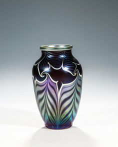 ORIENT & FLUME ART GLASS VASE, DATED 1979