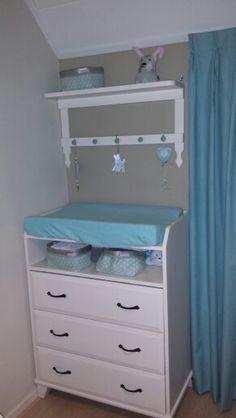 """Wandrek babykamer gemaakt door """"opa"""""""