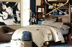 Boy's hockey bedroom