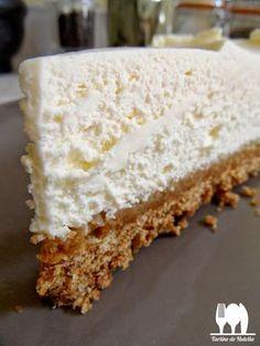 Cheesecake, quel doux mot à mon oreille, un cheesecake a une durée de vie assez limitée à la maison tant on adore ça, mais bon c'est un des...