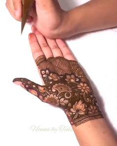Mehndi Designs Feet, Stylish Mehndi Designs, Latest Bridal Mehndi Designs, Henna Art Designs, Mehndi Design Pictures, Modern Mehndi Designs, Mehndi Designs For Girls, Mehndi Designs For Beginners, Wedding Mehndi Designs