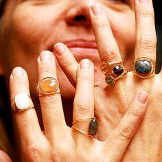 Bagues Paola Zovar en or 18kt, pierres fines interchangeables et diamants.