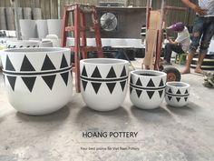 Stone Planters, Cement Planters, Ceramic Pots, Clay Pots, Painted Plant Pots, Creation Deco, Ceramic Design, Potted Plants, Garden Pots