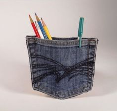 Jean Pocket Refrigerator Magnet. (SO doing this to hold random business cards.)