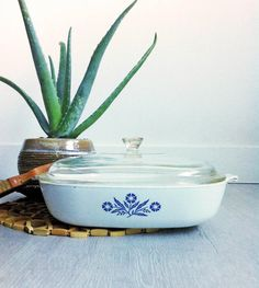 10 inch Corning Ware Baking Dish Made in by toutepetitetreasures