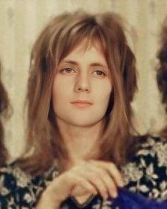 Fucking Angel, how can he be so pretty? Queen Photos, Queen Pictures, Brian May, John Deacon, Great Bands, Cool Bands, Queen Drummer, Divas, Queen Meme
