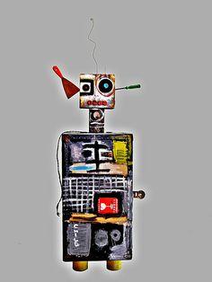 Mike Gamero - Robot sculpture Robot, Sculpture, The Originals, Art, Art Background, Kunst, Sculptures, Performing Arts, Robots