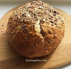 Seeded Cob Loaf - Feasting Is Fun Seeded Cob Loaf an incredibly wholemeal loaf packed with seeds and full of flavour. Bread that is simple to make yet full of reward in flavour and texture. Seeded Cob Loaf - Feasting Is Fun Seede Wholemeal Bread Recipe, Loaf Bread Recipe, Spelt Bread, Yeast Bread Recipes, Loaf Recipes, Scone Recipes, Easy Recipes, Healthy Recipes, Cob Loaf Spinach Dip