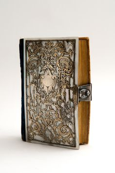 Paroissine Romain - mother of pearl cover with silverwork - Paris - 1850
