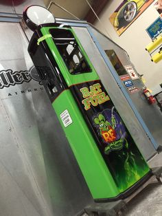 Airbrushed Rat Fink Gas Pump - Painted by Mike Lavallee of Killer Paint Airbrush Studio - www.killerpaint.com