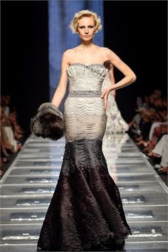 beautiful ombre Tony Ward evening party gown dress