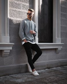 spring mens fashion which look fab! Portrait Photography Poses, Men Photography, Photography Pricing, Photography Courses, Best Poses For Men, Mens Photoshoot Poses, Photo Poses For Boy, Male Models Poses, Stylish Mens Outfits