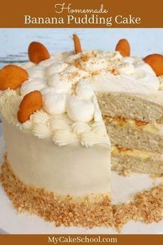 This Banana Pudding Cake Recipe is the BEST! A wonderful combination of banana cake layers vanilla cream filling crushed Nilla wafers banana slices cream cheese frosting and whipped cream! Brownie Desserts, Oreo Dessert, Mini Desserts, Baking Desserts, Cake Baking, Cake Filling Recipes, Cookie Recipes, Dessert Recipes, Delicious Desserts