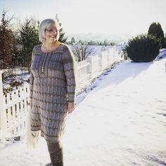 Vinterkjole i blondestrikk Blouse Dress, Knit Crochet, Dresser, Blouses, Fancy, Knitting, Casual, Sweaters, Beautiful