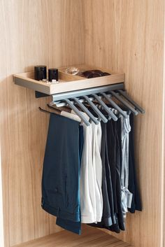 Space for up to 15 pairs of trousers (Standard). Beautifully designed and highly stable Libell metal shelf for storing belts and accessories. Living Room Units, Living Area, Shirt Store, Hanging Storage, Metal Shelves, Dressing Room, Cupboard, Trousers, Interior