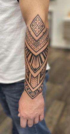 Geometric Tattoos Men, Tribal Tattoos For Men, Cool Forearm Tattoos, Tribal Sleeve Tattoos, Hand Tattoos For Guys, Small Tattoos For Guys, Polynesian Forearm Tattoo, Polynesian Tattoo Designs, Tribal Band Tattoo