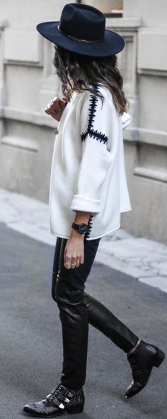 #fall #trending #street #outfits | Black + White