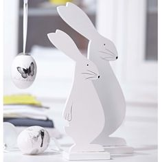 Wood + saw = easter bunny |Pinned from PinTo for iPad|