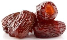 Remedies Blocked Arteries The Fruit that Prevents a Heart Attack, Stroke, and Reduces High Blood Pressure and Bad Cholesterol Levels! Cholesterol Symptoms, Lower Your Cholesterol, Cholesterol Lowering Foods, Cholesterol Levels, Uses Of Dates, Health Benefits Of Dates, Reducing High Blood Pressure, Natural Health Remedies, Natural Cures