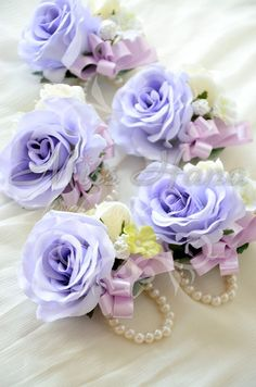 Hey, I found this really awesome Etsy listing at https://www.etsy.com/hk-en/listing/179936713/purple-rose-pearl-wrist-corsage