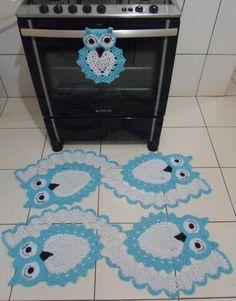 Grandma would love the little oven owl Crochet Owls, Crochet Animals, Crochet Motif, Crochet Doilies, Knit Crochet, Crochet Stitches Patterns, Stitch Patterns, Cross Stitch Tutorial, Crochet Dishcloths