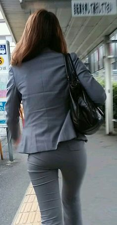 Jeans Pants, Trousers, Sexy Hips, Girls In Leggings, Japan Girl, Tights Outfit, Office Ladies, Classy Women, Girls Girls Girls