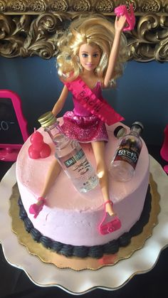 DIY drunk bachelorette Barbie cake topper for the Barbie Bachelorette, Bachelorette Party Decorations, Party Favors, Bachlorette Party Ideas Diy, Bachelorette Weekend, Bachelorette Parties, Drunk Barbie Cake, Barbie Party, Anniversary Party Games