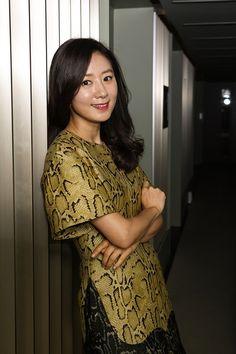 Kim Hee-ae (김희애) - Picture @ HanCinema :: The Korean Movie and Drama Database Online Collections, Korean Celebrities, Korean Actresses, Asian Woman, My Idol, Kdrama, Fangirl, Wattpad, Actors