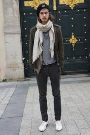 Pantalones slim o pitillo para hombre. Aquí puedes encontrar pantalones ajustados para chicos, dónde comprarlos y cómo llevarlos.
