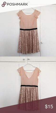 Forever 21 Party Dress Sparkly Party Dress perfect for Spring or even New Years Eve! Forever 21 Dresses Midi