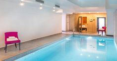 Top 15 des meilleurs spas parisiens - L'Express Styles Hotel Paris, Paris Hotels, Le Bristol, Lyrics, Bathtub, Bathroom, Outdoor Decor, Styles, Home Decor