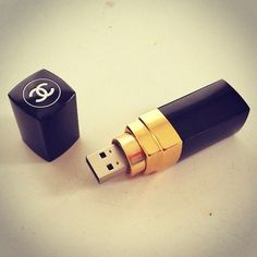 Fancy lipstick usb that's awesome! I would want Mac though ;) #macforlyfe
